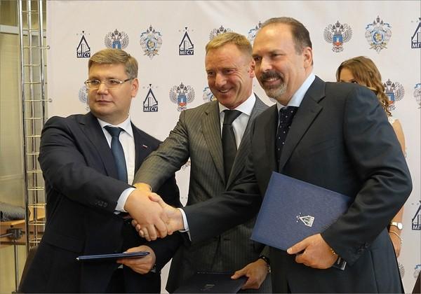 подписали соглашение о намерениях по созданию Инновационного центра «Строительство» на базе НИУ МГСУ